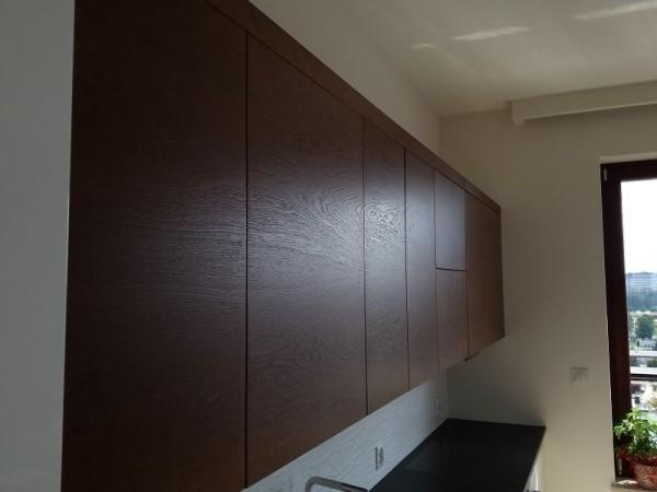 brązowe półki
