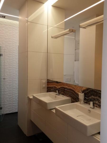 ciasna łazienka