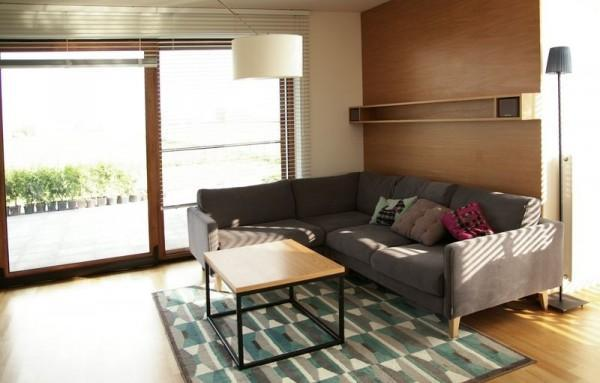 salon z kanapą